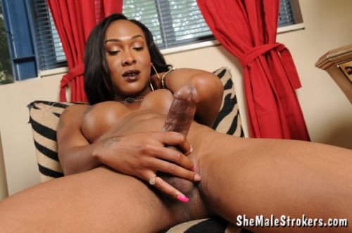 Infamous Black Tranny Kayla Biggs Masturbates of cock