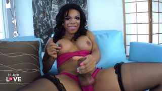 Ebony Tranny Webcam Model want you to suck her black cock
