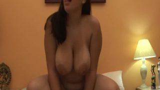 Black shemale fucks a BBW latina Chica